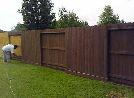 Semi-Transparent Fence Staining in Sprint, TX